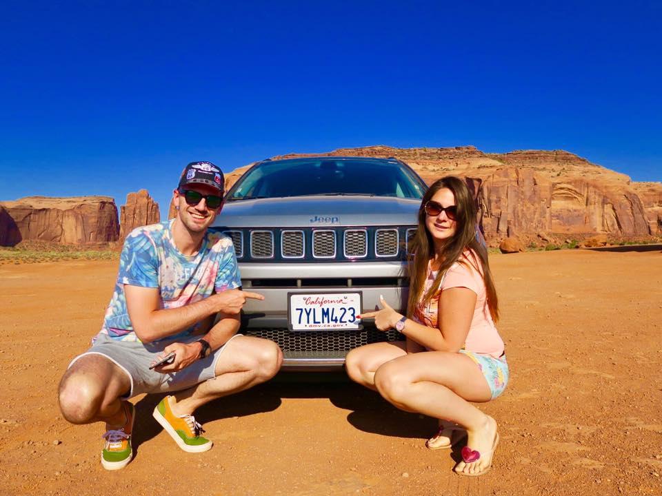 notre voiture jeep dans monument valley