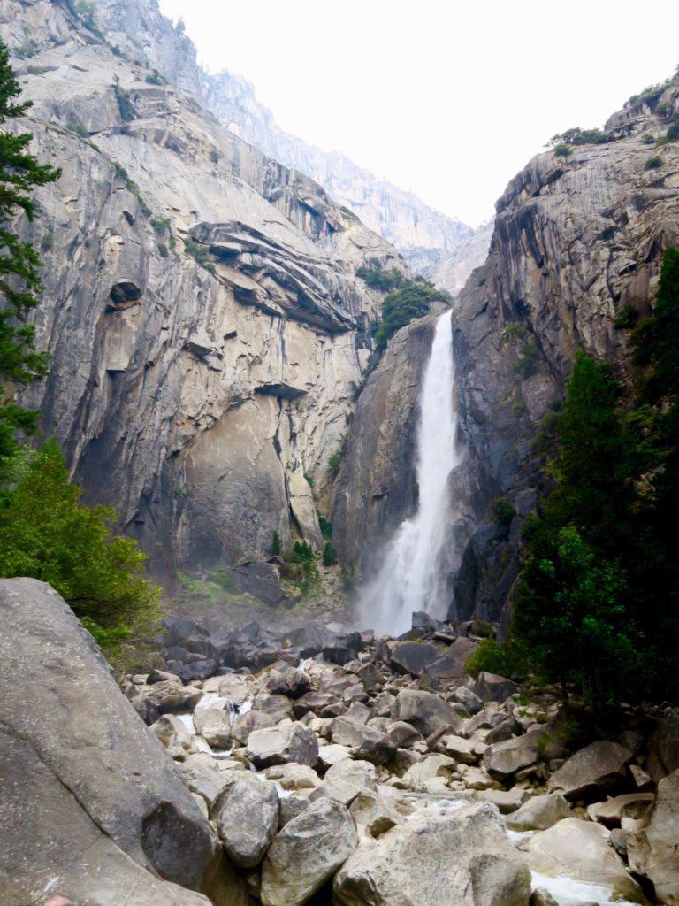 Chute d'eau ou même cascade de Yosemite